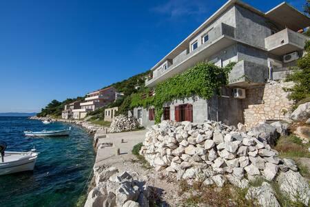 The Riva Apartment - Zaklopatica - Apartment