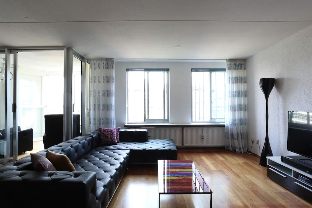 The large livingroom with the new furniture