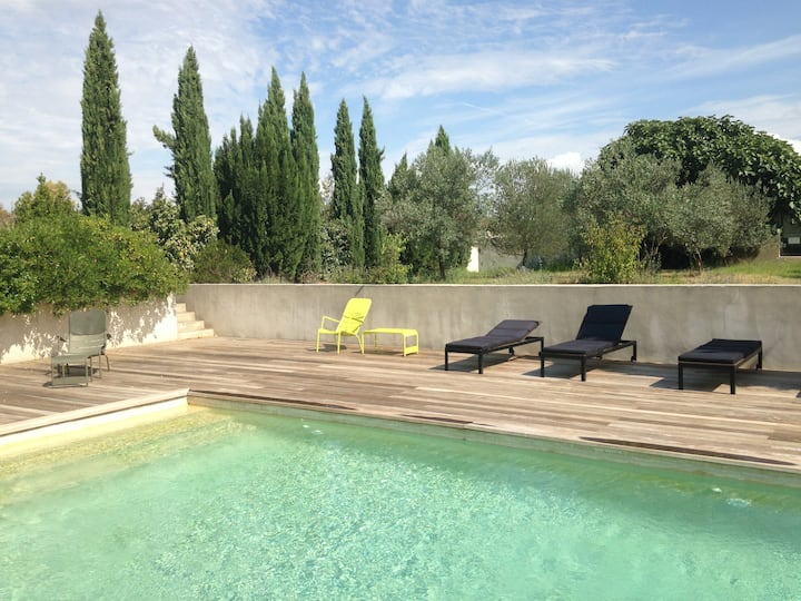 Contemporary house in rural Aix with private pool
