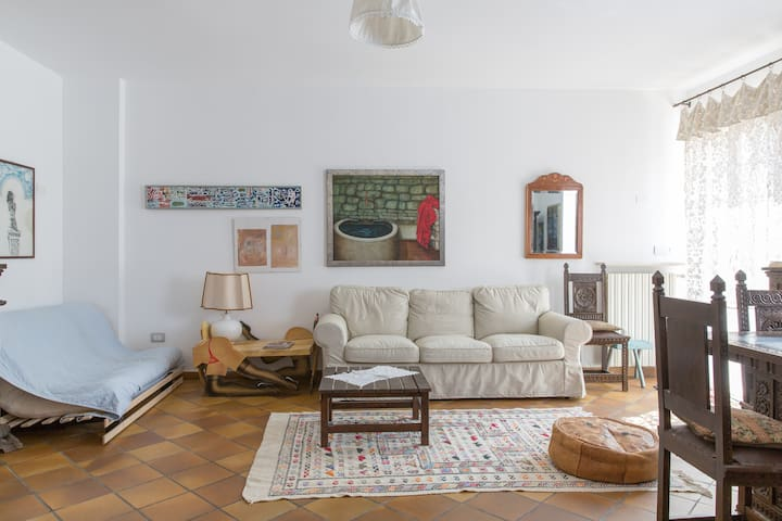 Large and cozy flat with garden