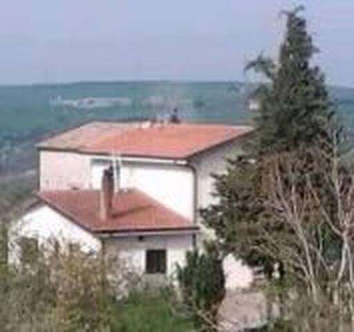 Casa di campagna nella natura - Oscata - House