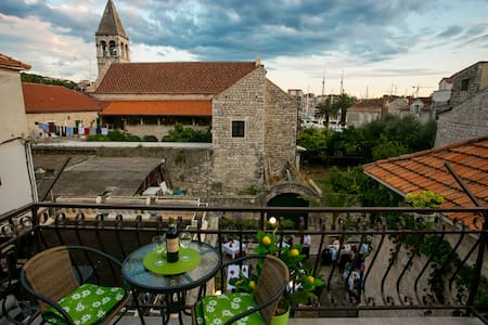 Stone house Marija - Center with free parking