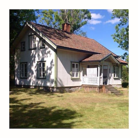 Nordic Style Cottage - Hole - Ev