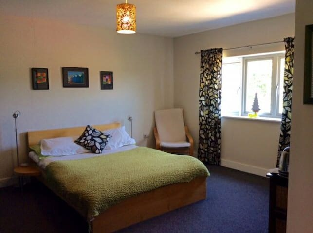 Unique bedroom and own sitting room - Kings Lynn