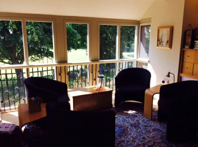 Unique bedroom and own sitting room - Kings Lynn - 獨棟