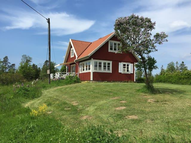 12år gl. villa  110 m2 - Strömsnäsbruk - Talo