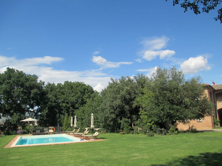 Farmhouse with pool (Maggiorana)