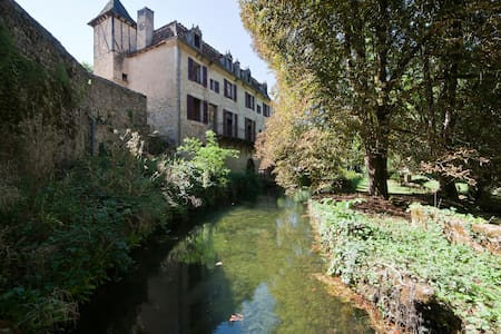 Medieval B&B in Autoire, Dordogne Valley, France