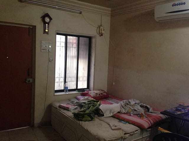 Sharing room in the Heart of worli - Mumbai - Casa