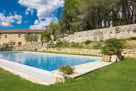 Chianti villa with pool and view  - Castellina In Chianti