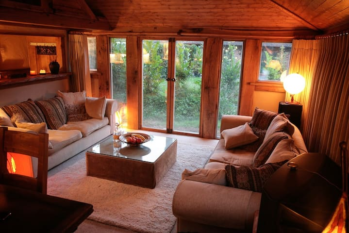 Romantic Oak Cabin Berkhamsted - Potten End - Stuga