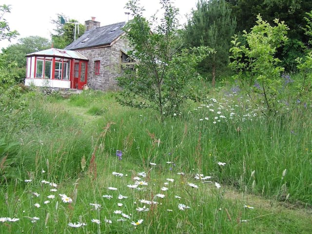 Ty Gwennol  off-grid Eco- cottage Brecon Wales