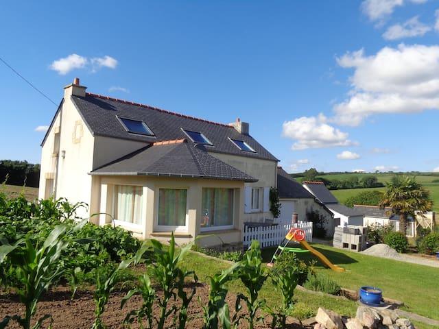 Gîte à la pointe du Finistère - Ploumoguer - House