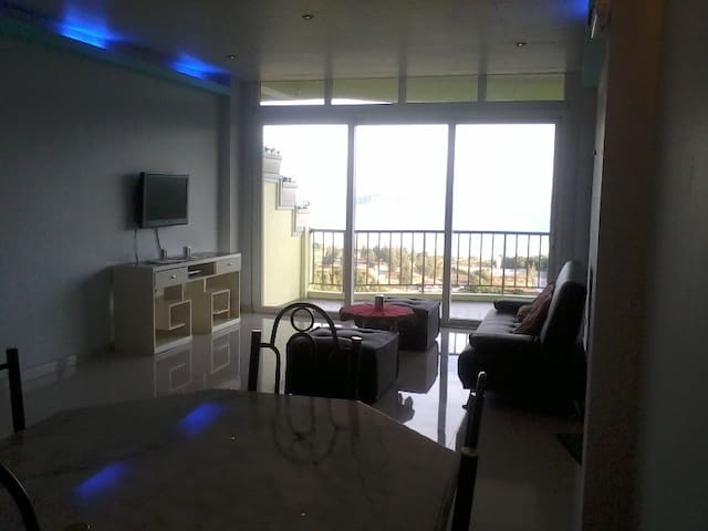 Sunset Bay View Deluxe Unit B - Subic Zambales - Appartement