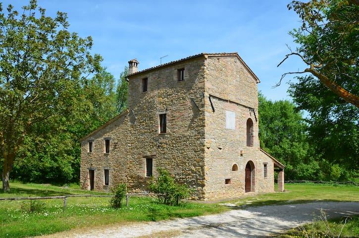 Casa Torre - Apt Nibbio - Treia - Apartamento