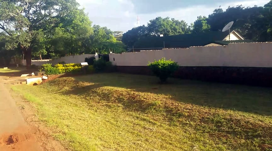 Spectacular Entire House Borrowdale - Harare - Hus