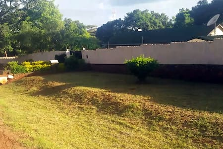 Spectacular Entire House Borrowdale - Harare
