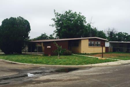 415 E. 49th St, Odessa Texas 79762