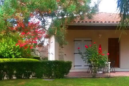 Villa sur parc privée - Médis