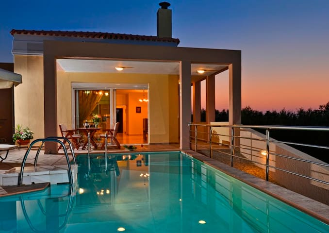 Villa ideal for family or lovers - Rethimnon - Vila