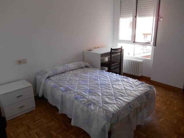 Alquiler habitación Alamedilla 4