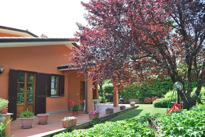 Re Garden Cuscini.Airbnb Mentana Vacation Rentals Places To Stay Lazio Italy