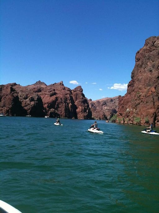 Colorado River Retreat Houses For Rent In Needles