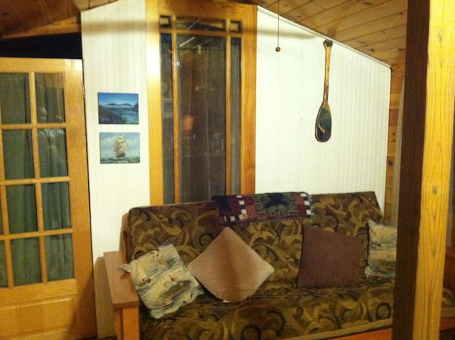 2 Bedroom Cabin on Lake Champlain - Plattsburgh - Cabaña
