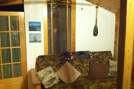 2 Bedroom Cabin on Lake Champlain - Kisház