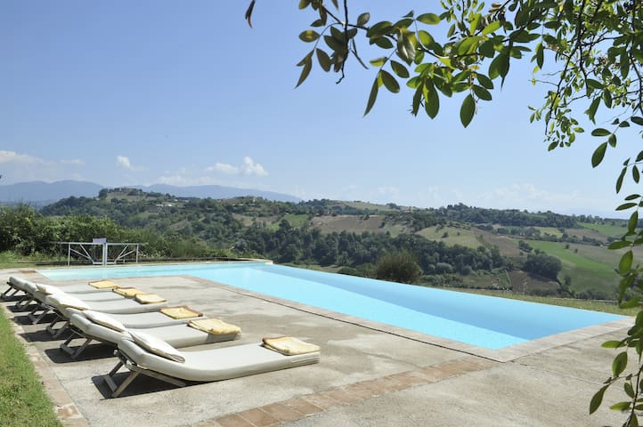 DESTINATION PARADISE IN ITALY ! - Magliano Sabina - House