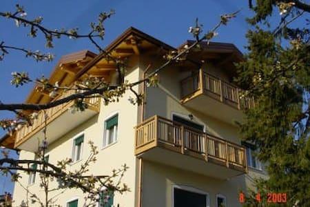 App. Monolocale con vista Lago - Tenna - Apartament