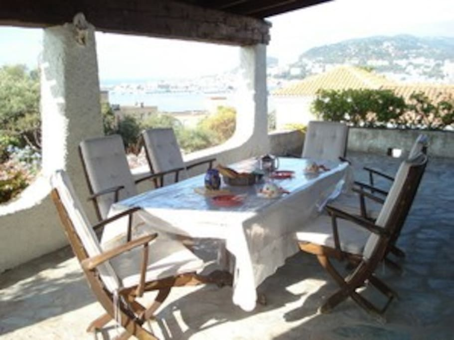Chambre d 39 h tes villa savane bed and breakfasts for for Chambre d hotes ajaccio