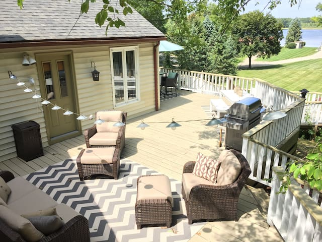 Beautiful 2 kitch home w/ huge deck - Orion charter Township - Dům