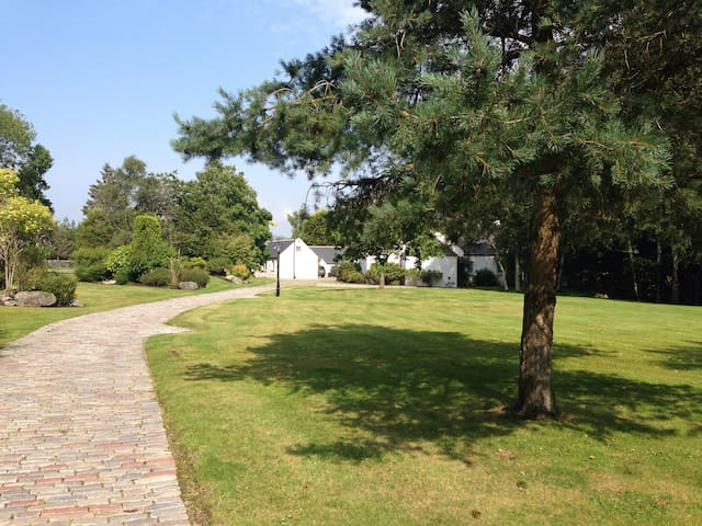 Luxury 4bdrm home in Royal Deeside - Auchattie - House