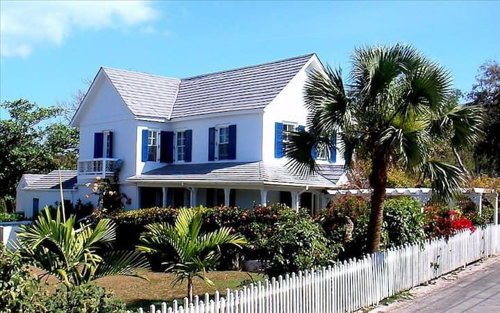 Historic Sea Captain's House - Walk to town/beach