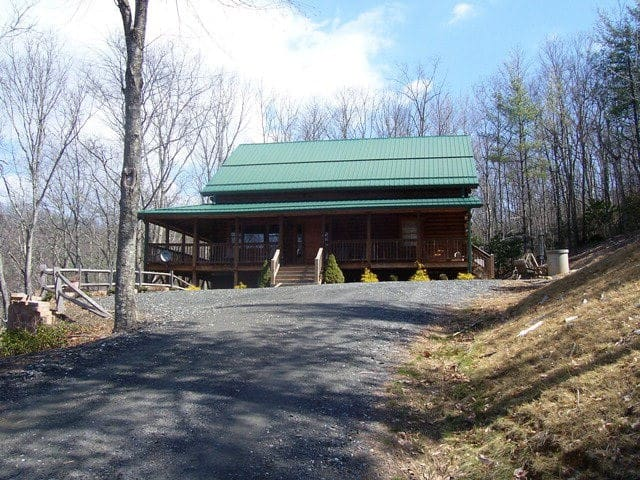 Spacious mountain house on 15 private acres - Fleetwood - Cabin