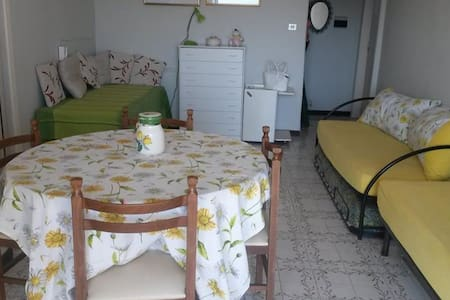 Cozy apartment by the tyrrhenian sea- Baia Domitia - Baia Domizia - Appartement