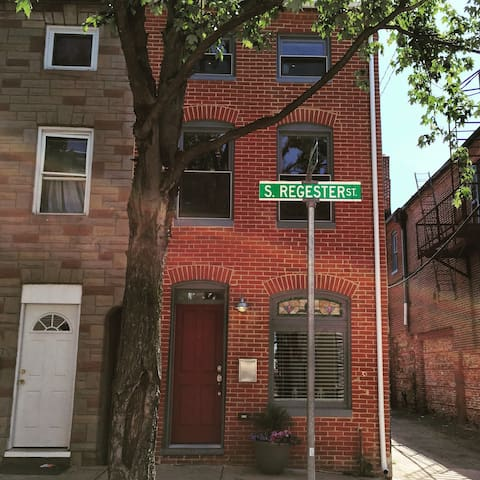 3-bed, 3.5 bath rowhome in Fells! - Baltimore - Dom