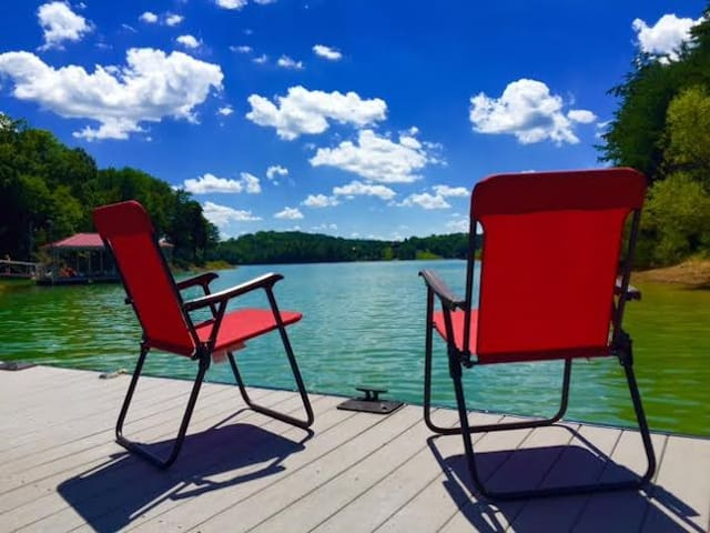 LAKEFRONT Home on Douglas Lake, TN - Sevierville - Huis