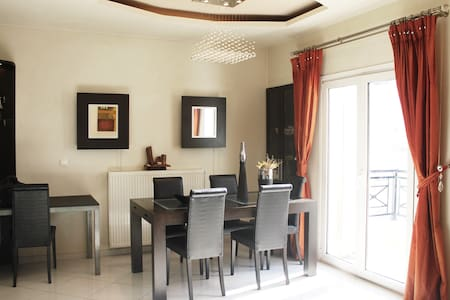 Elegant and Modern Apartment - Iraklio - Apartemen