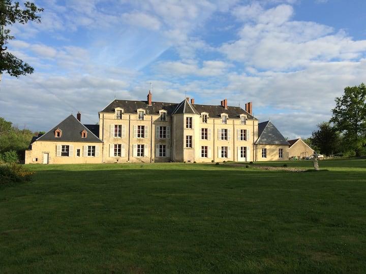 Chateau XVIIIe en Berry Sologne