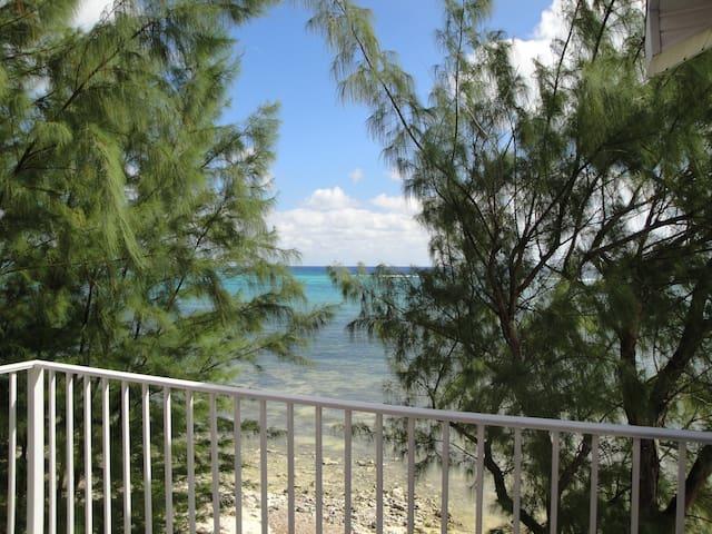 Oceanfront Villa, 3,000 sq. ft - East End - Vila