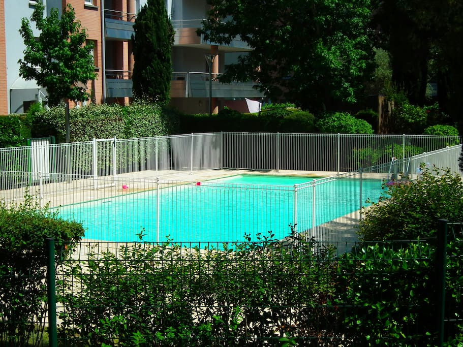 R sidence beaucaire avec piscine appartements louer for Beaucaire piscine