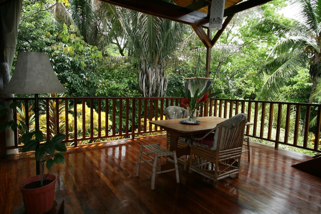 Casa montezuma beach jungle home houses for rent in for Jungle house costa rica