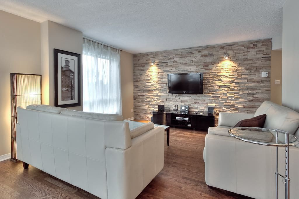 Montreal 3 Bedrooms Atwater Market Apartments For Rent In Montreal Quebec Canada