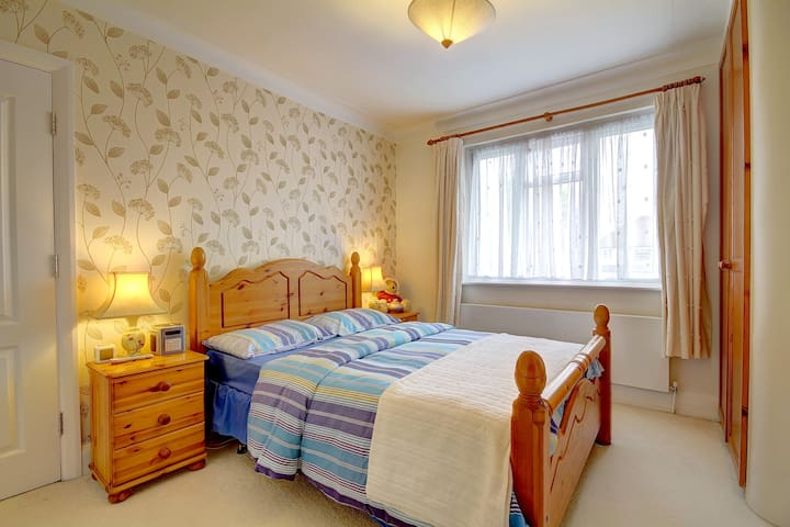Beautiful Double Room in N. London - 大倫敦 - 獨棟