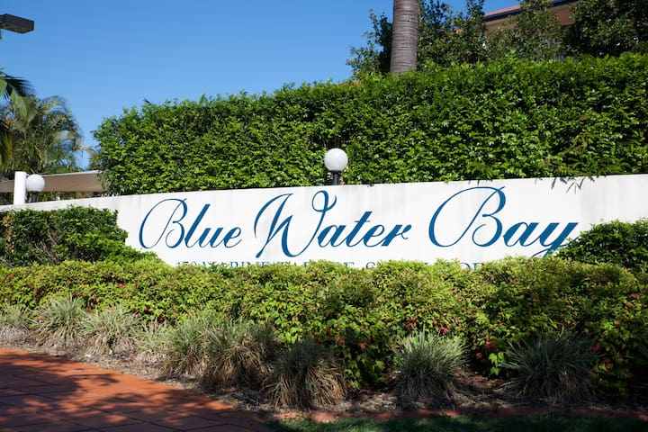 Blue water bay - Southport - Flat