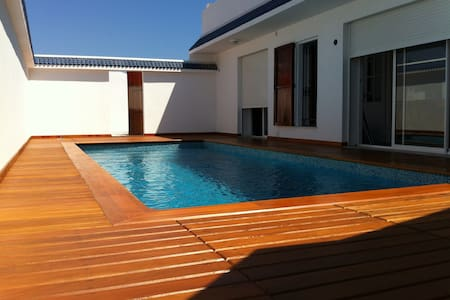 House with swimming-pool in Gammart - La Marsa