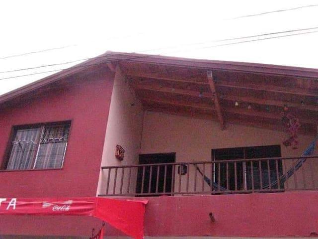 Casa totalmente dotada en Guatapé - Guatapé - House