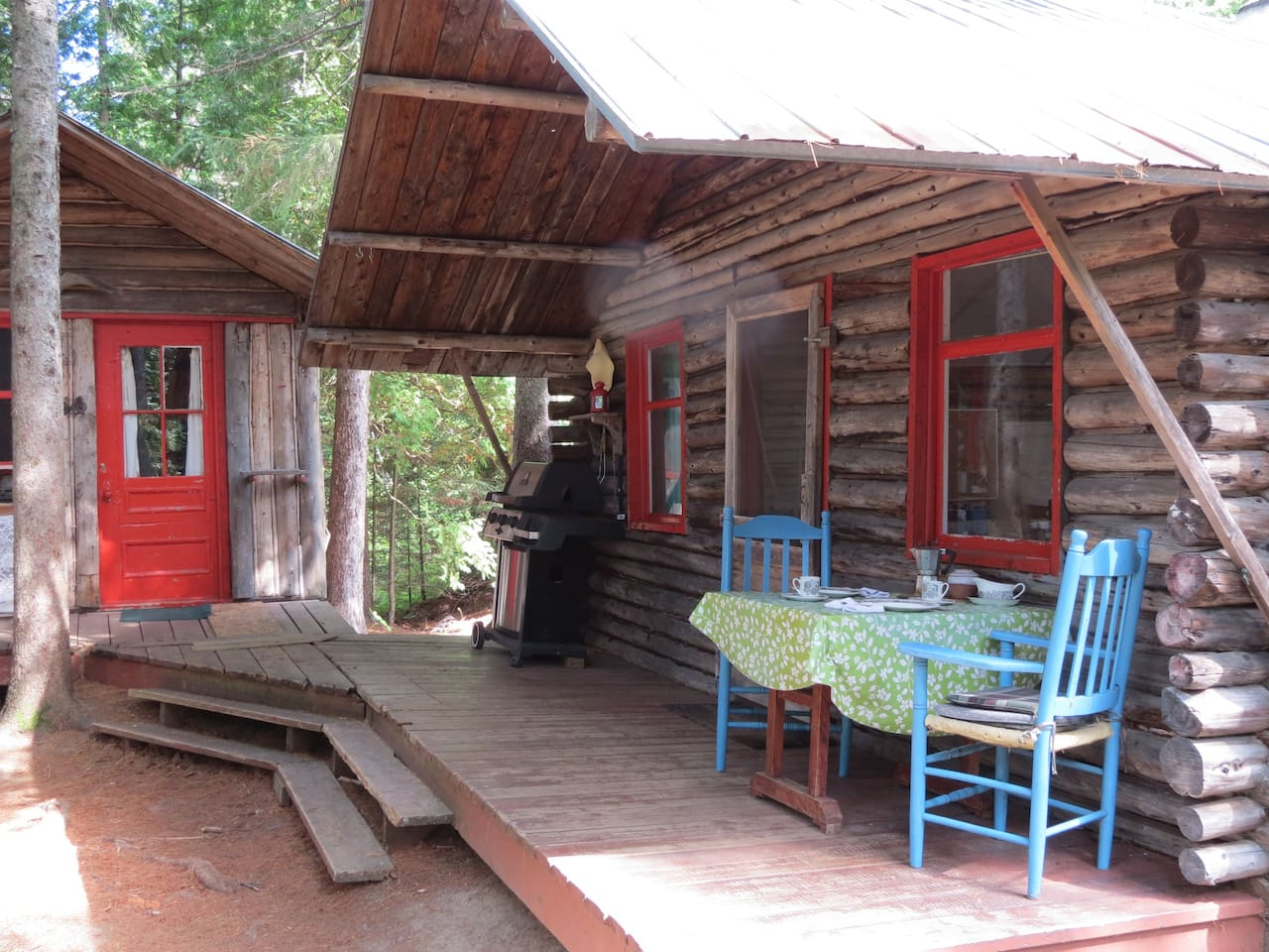 Your reservation offers two one-room cabins. Both are included. Enjoy this quiet, private space under the pines!